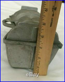 ANTIQUE Vintage SANTA CLAUS Cast Aluminum METAL MOLD Ice Cream Chocolate large